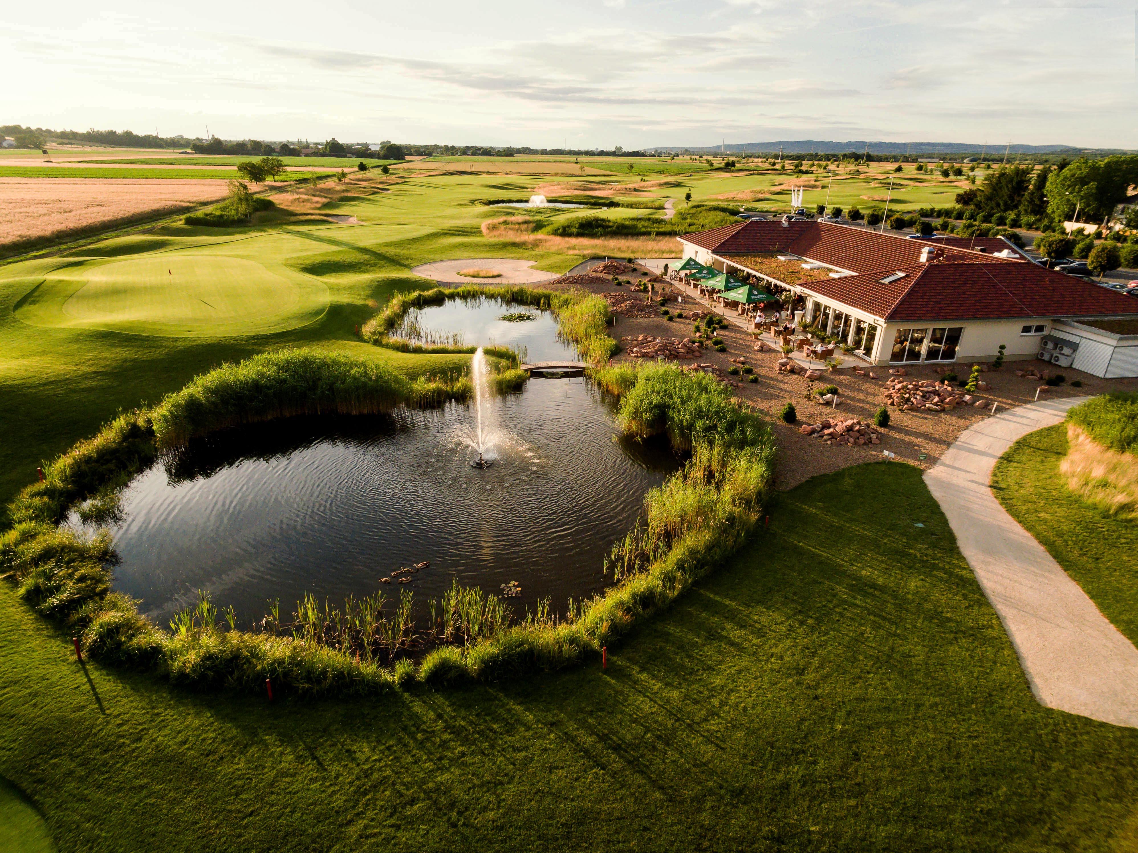 In diesen schweren Zeiten – Vergesst uns bitte nicht. So haben Sie den Golfpark Rosenhof noch nicht gesehen.